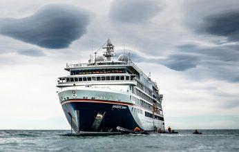 HANSEATIC_nature_in_der_Antarktis_-_Fotocredit_Hapag-Lloyd_Cruises_Denger__4_-346x220.jpg